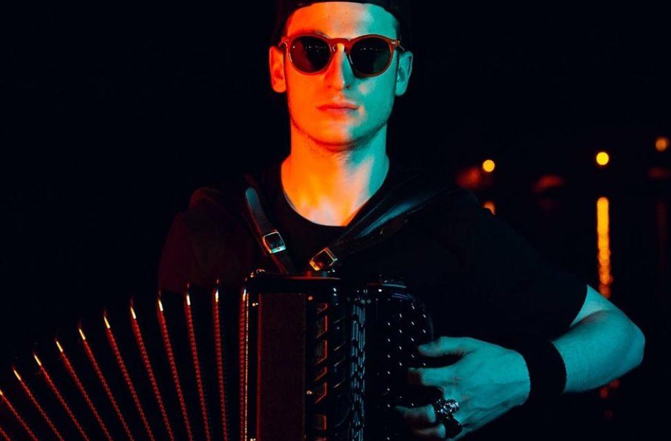 Découvrez l'accordéon électrique, inventé par un Français de 20 ans