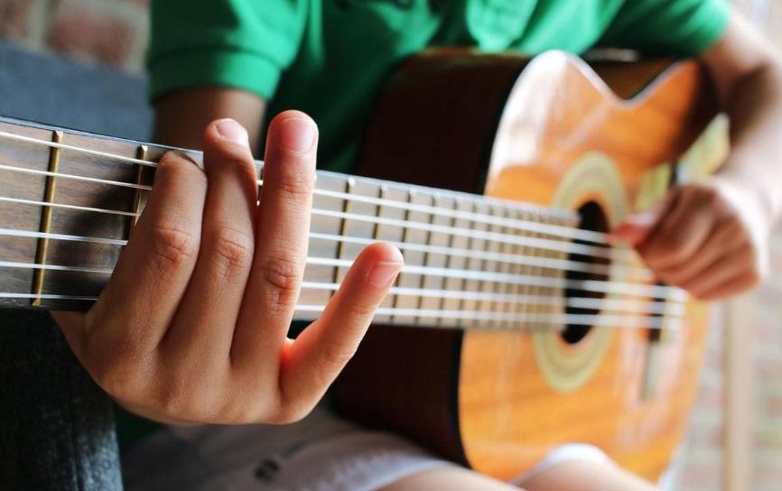 La préfecture du Morbihan a-t-elle vraiment interdit le transport d'instruments de musique?