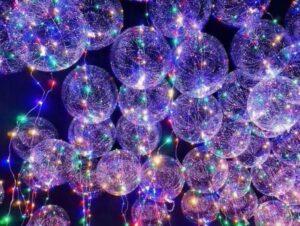 Des ballons en hélium colorés